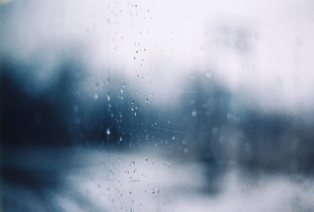 okno_kvapky_window_raindrops