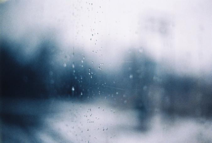 okno_kvapky_window_raindrops
