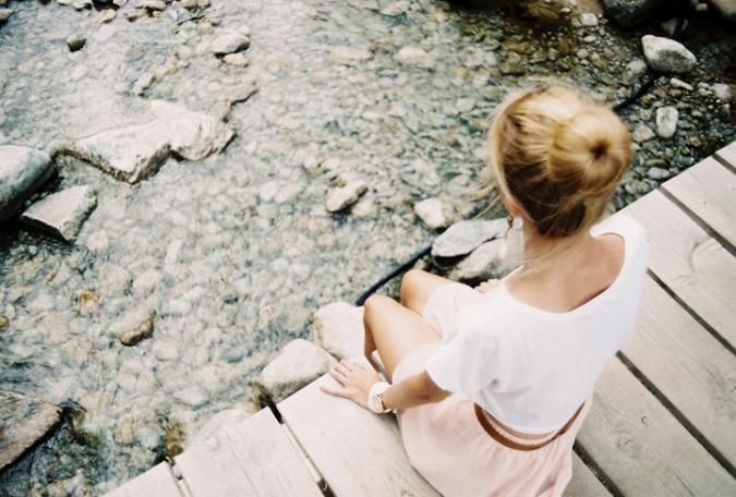 dievca_na_moste
