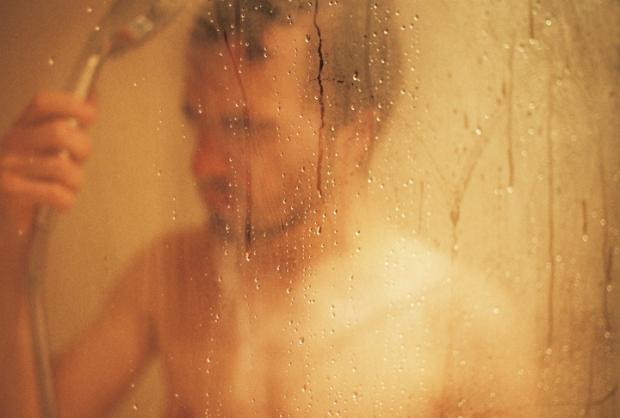 sprcha_chlap_kvapky