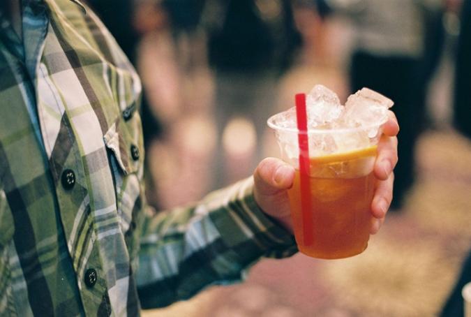 ice_tea_in_hand