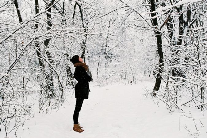 lesny-chodnik-sneh