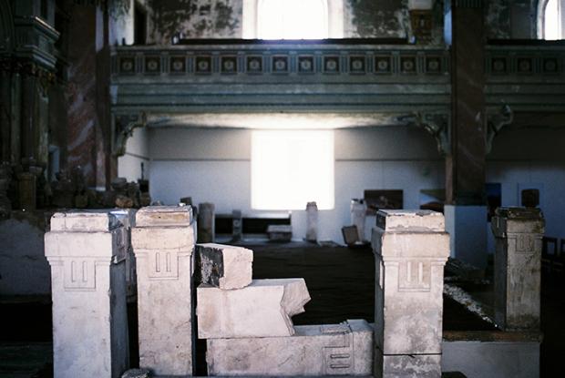 vnutro-synagogy
