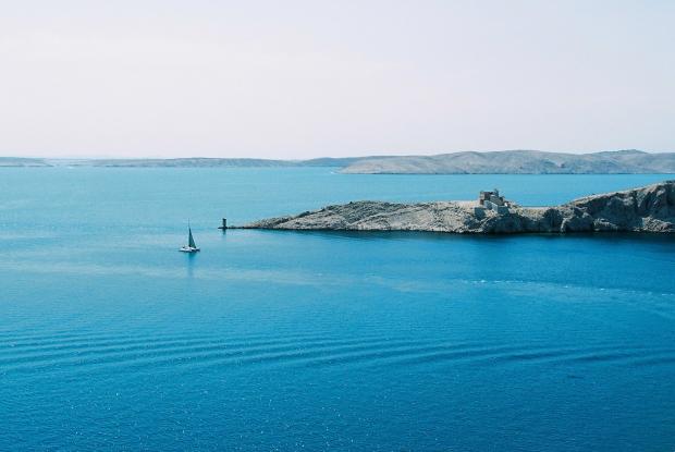 ostrov-pag-more