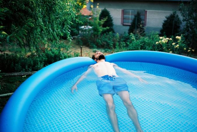 v-bazene