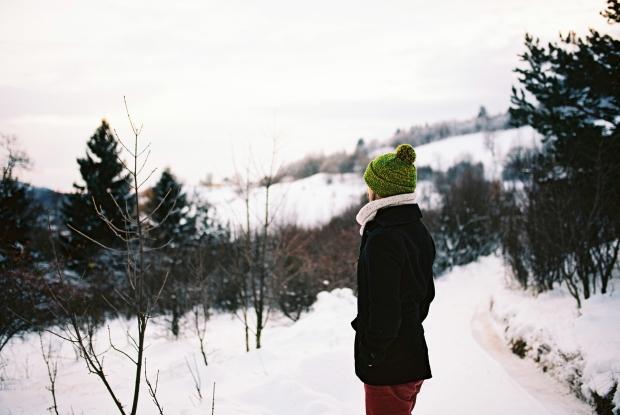 na-prechadzke-v-zasnezenom-lese